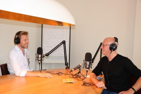Gerhard te Velde en Marc Westeneng in de podcaststudio